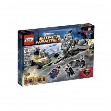 LEGO Super Heroes Superman Striden i Smallville 76003