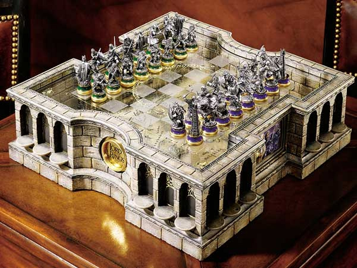 The Lord of the Rings Collectors Chess Set
