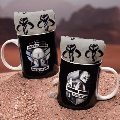 Star Wars the Mandalorian Presentset Med Mugg och Strumpor