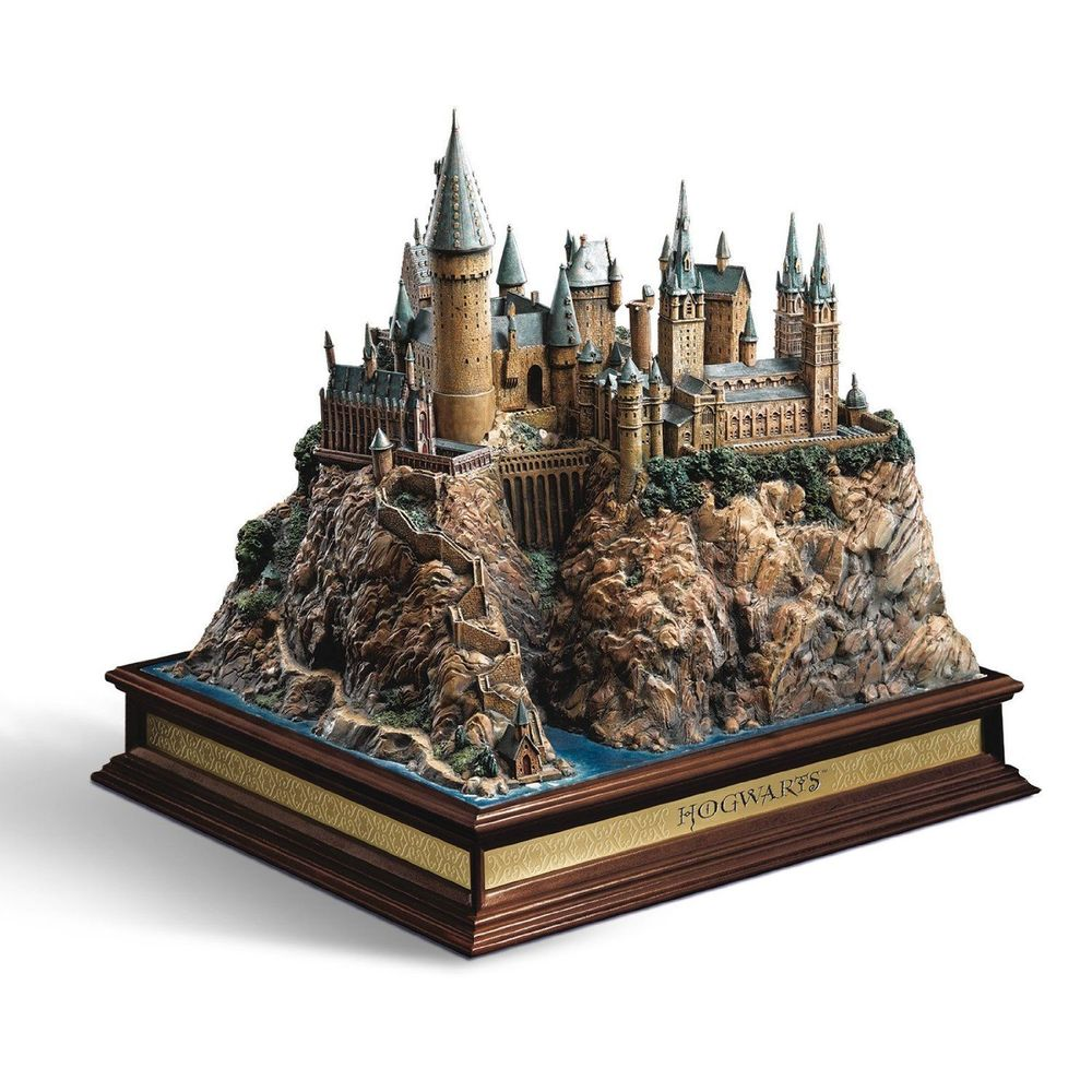 Harry Potter Hogwarts Skulptur thumbnail